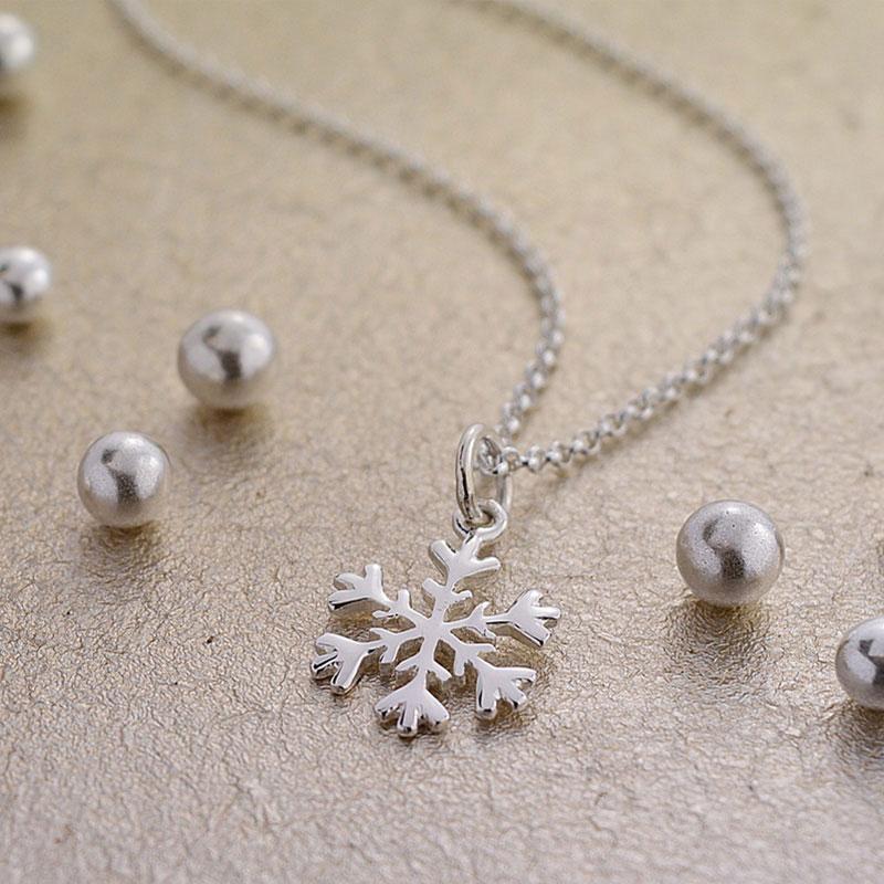 Lily charmed 雪花造型925纯银项链